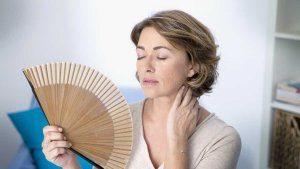 Приливы при климаксе: почему лечить обязательно - Лечение климакса
